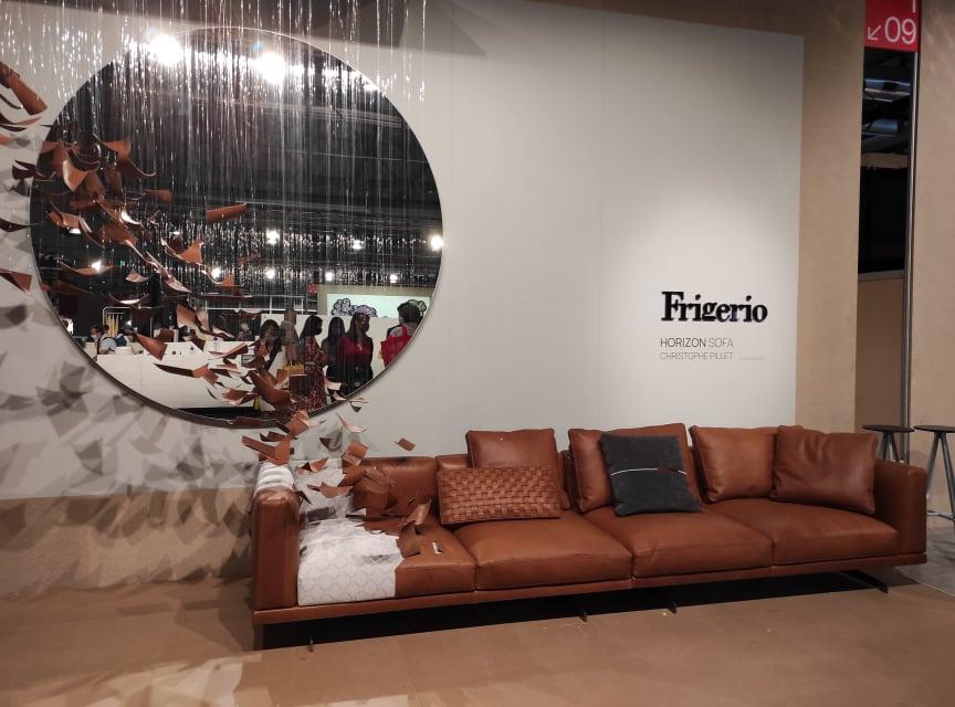 La presentazione poetica di Frigerio Salottiper il nuovo divano Horizon (image copyright Vismara Interni)